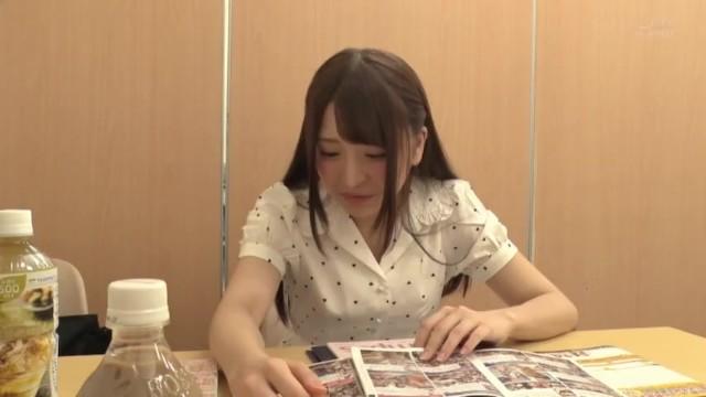 【おっぱい】スレンダーな巨乳の美少女の、ファン感謝無料H動画!【美少女動画】
