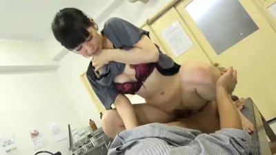 美人な奥様人妻の、中出しフェラハメ撮り無料動画!【奥様、人妻動画】