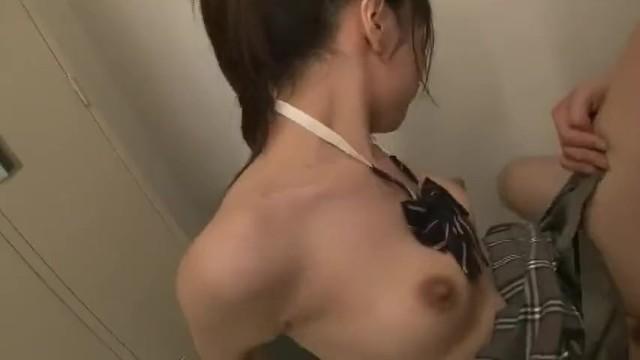 【浜崎真緒無理やり】巨乳のOLの、浜崎真緒の無理やりレイプ痴漢強姦プレイ動画!