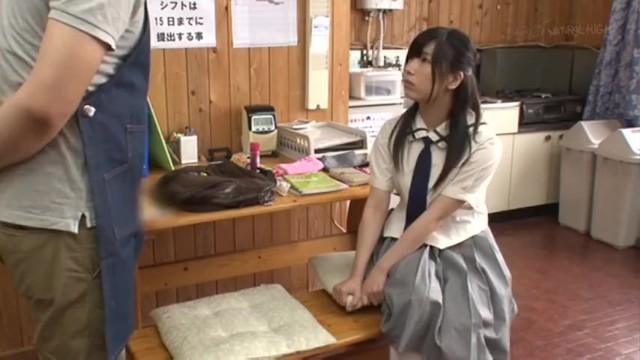 スレンダーなアイドル系でパイパンのJK美少女の、セックス強姦顔射無料エロ動画。【万引き、レイプ動画】