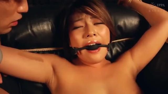美人なパイパンの人妻、今井夏帆のイラマチオSMぶっかけ無料動画!【レイプ、バイブ、拘束動画】