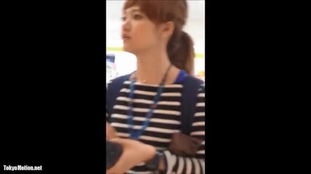 清純な素人女子大生の、隠し撮りパンチラ無料エロ動画!【素人、女子大生、お姉さん動画】