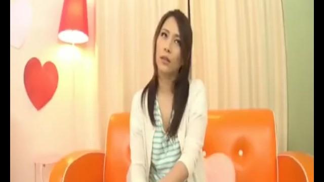 美乳の素人女子大生の、羞恥セックスフェラ無料H動画。【素股、中出し動画】