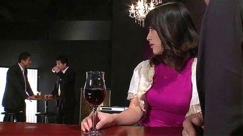 巨乳の熟女人妻の、フェラ騎乗位無料エロ動画!【熟女、人妻動画】