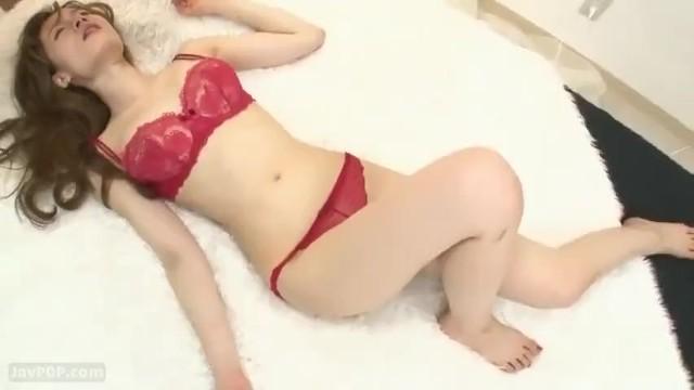 スレンダーな着衣で巨乳で美乳でアイドル美少女、林ゆなの乱交セックス無料エロ動画!【林ゆな動画】