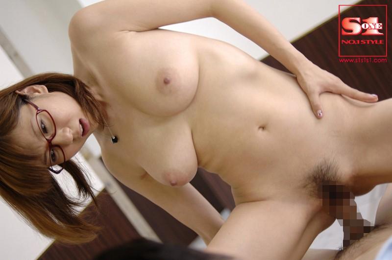 【麻美ゆまセックス】巨乳の、麻美ゆまのセックスパイズリフェラプレイがエロい。