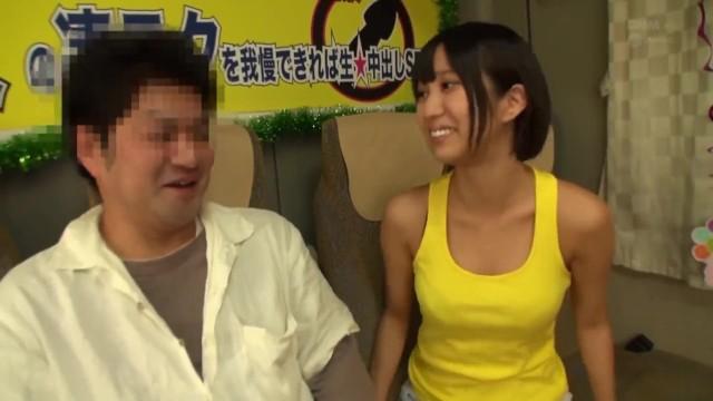 美乳の、湊莉久の手コキフェラ凄テク無料H動画。【ベロチュー、ごっくん動画】