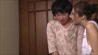 デカ乳でむっちりのお姉さん、JULIAのパイズリ寝取られ中出し無料エロ動画。【セックス、誘惑、浮気動画】
