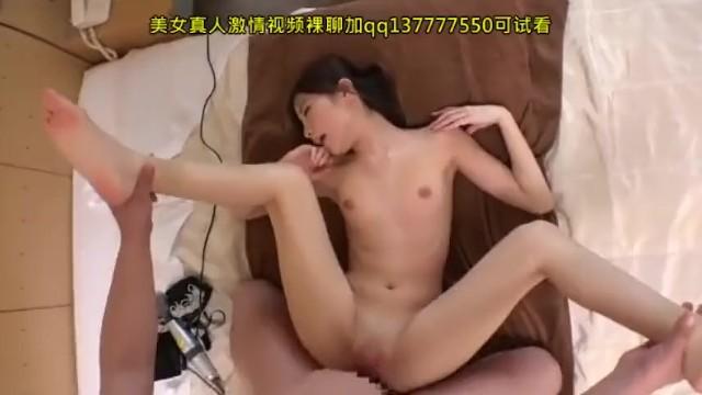 スレンダーな巨乳の素人人妻の、マッサージ無料H動画!【素人、人妻動画】