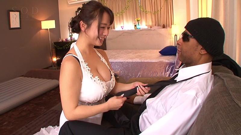 【外国人】淫乱美人な神乳で巨乳の人妻痴女の、着エロ不倫セックス無料動画。【人妻、痴女動画】