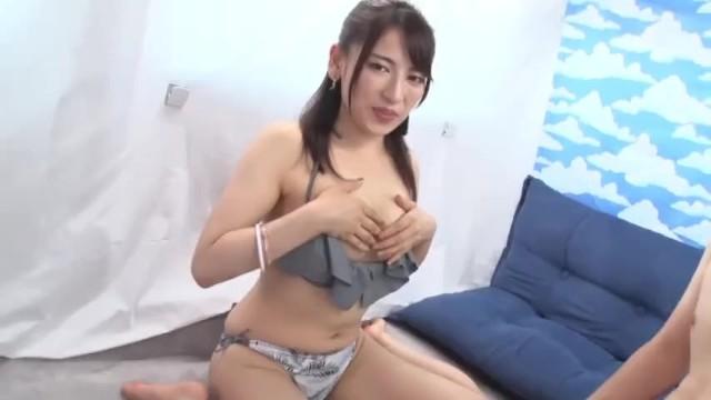 【童貞】美人スレンダーな巨乳でビキニのギャルの、筆下ろし中出し無料動画。【ギャル動画】