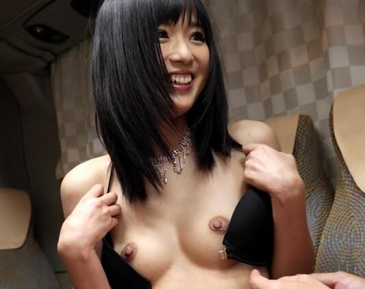 【麻倉憂逆ナン】黒髪スレンダーな美少女の、麻倉憂の逆ナン中出しベロチュー手コキプレイエロ動画!