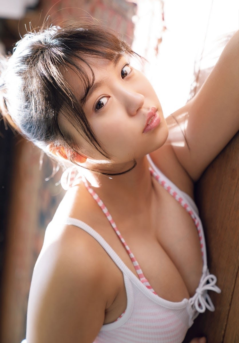 The gravure girlfriend is the strongest of allshe is cute and sexy009