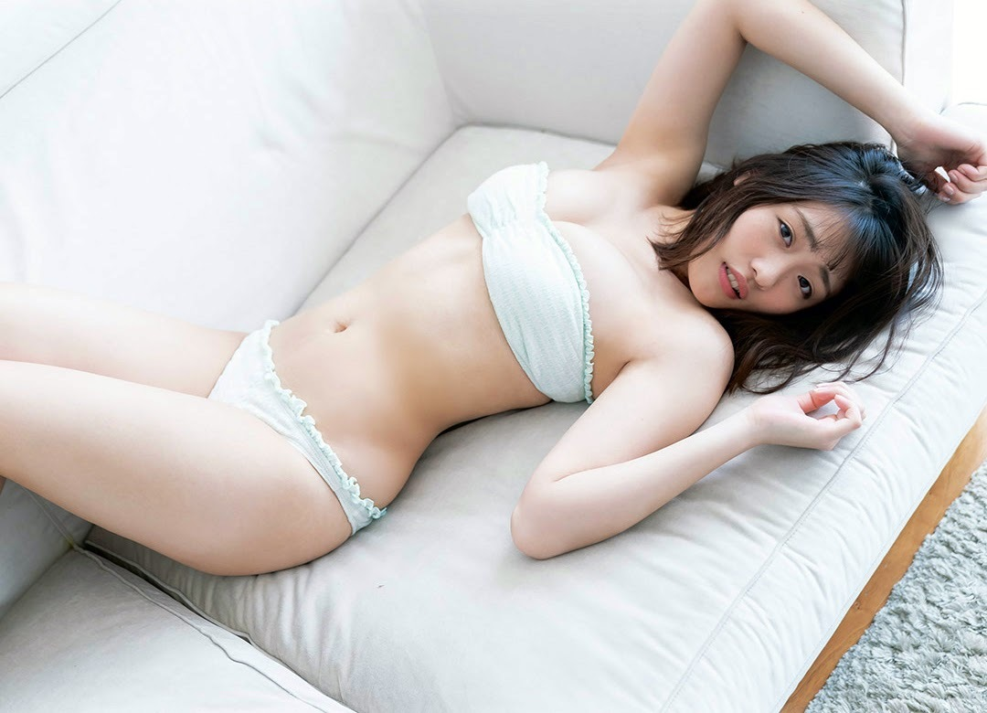 Momoka Ishida dominates the gravure industry with her versatile and beautiful body020