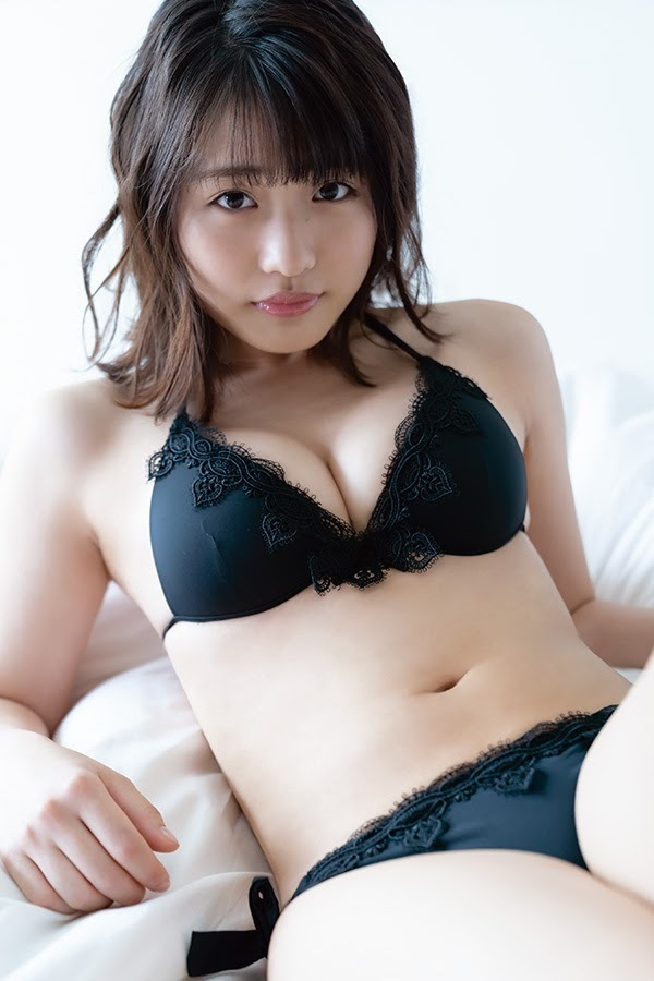 Momoka Ishida dominates the gravure industry with her versatile and beautiful body018