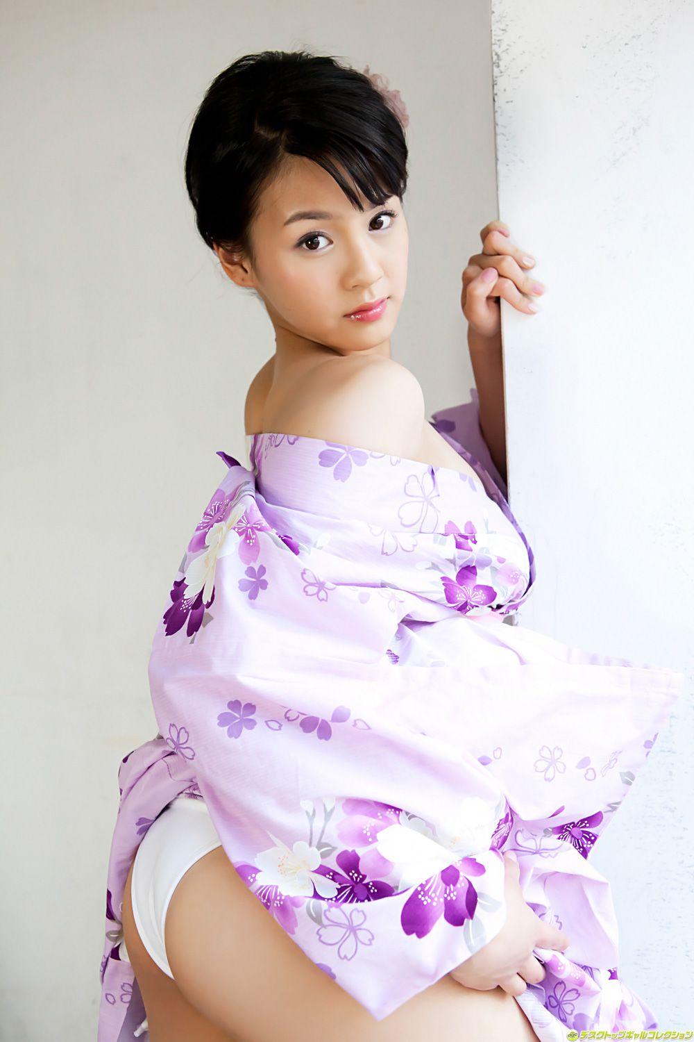 Fresh and bold charm of neat and beautiful girl075