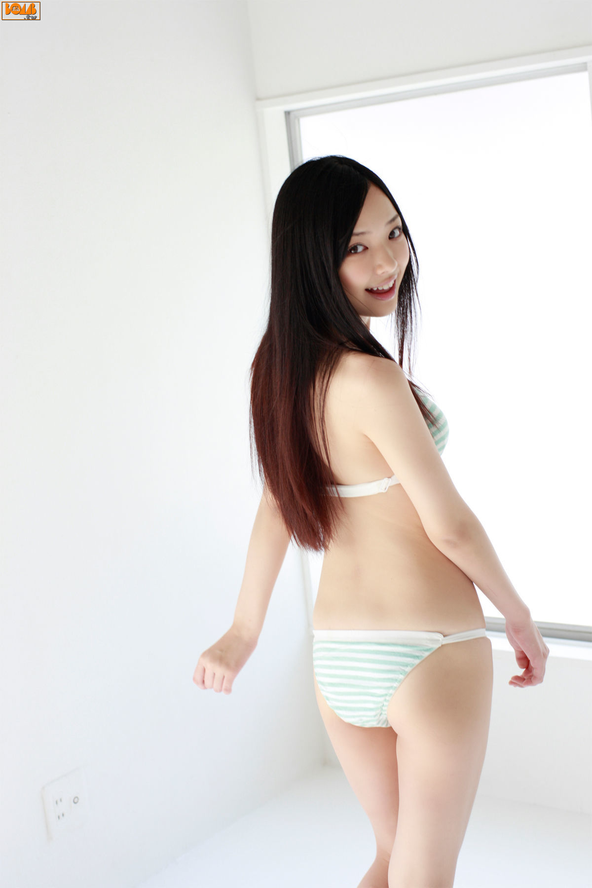 The ultimate swimsuit gravure for the next generation009
