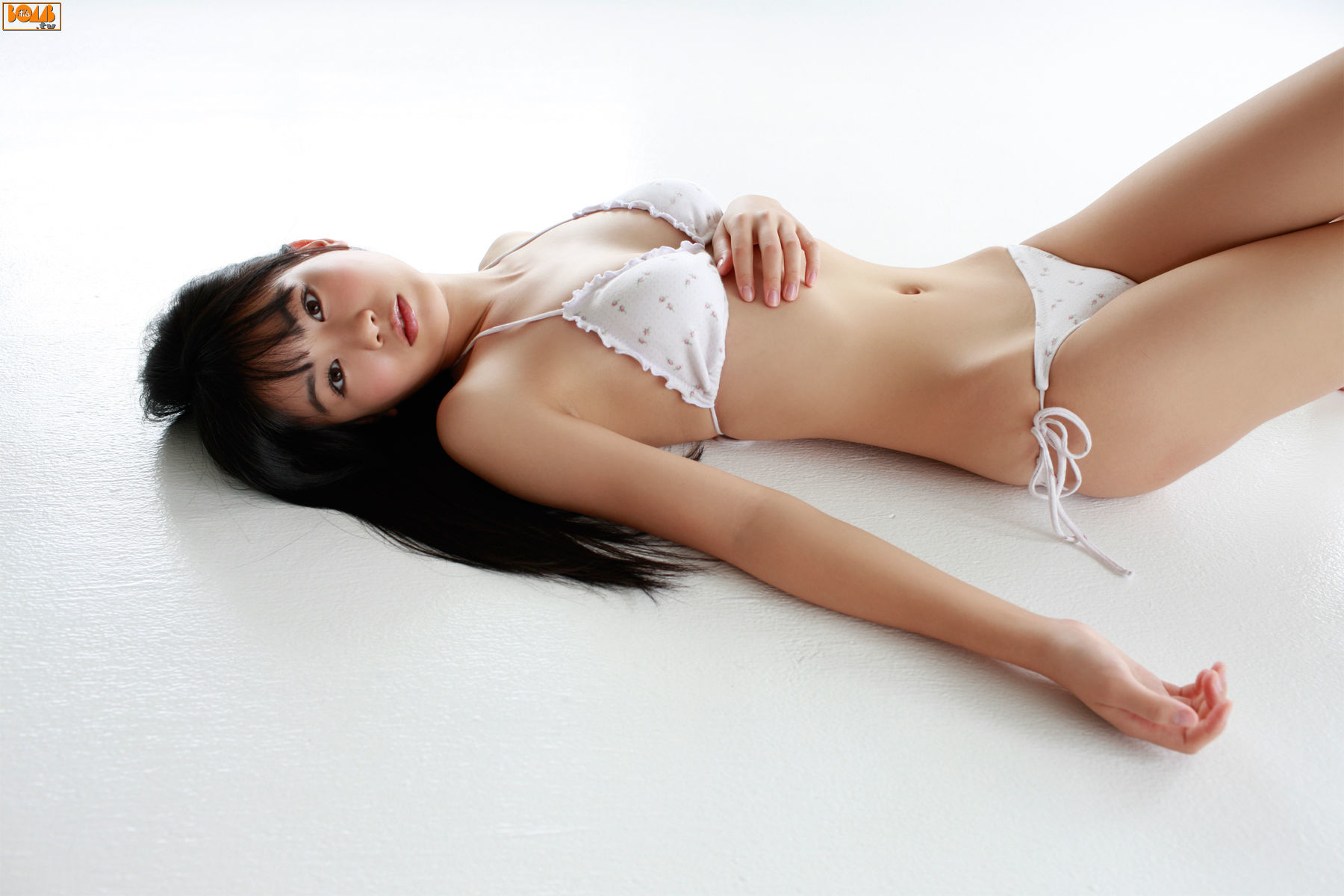 The ultimate swimsuit gravure for the next generation012