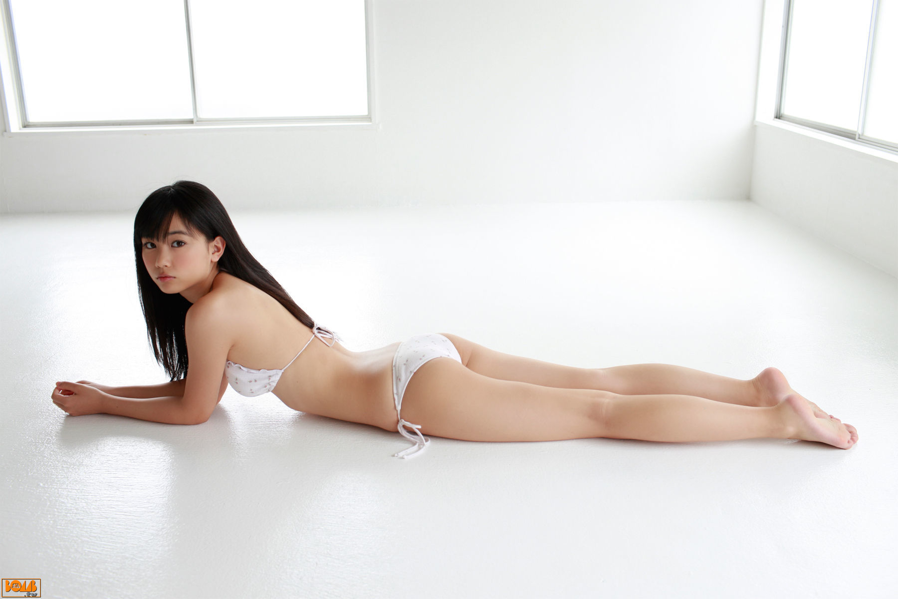 The ultimate swimsuit gravure for the next generation028