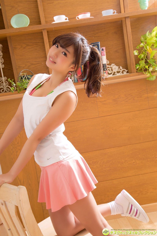Ayaka Onuki, a beautiful girl with a sexy waist024