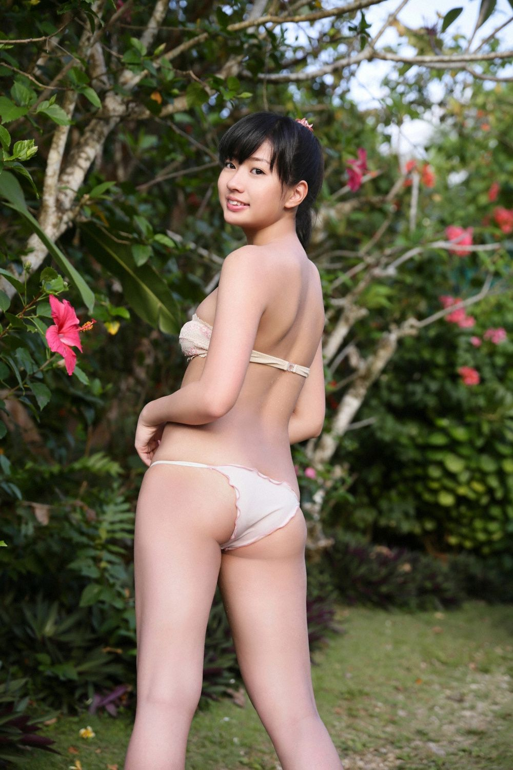 Ayaka Onuki an active female college student with a wonderful body style and fine skin040