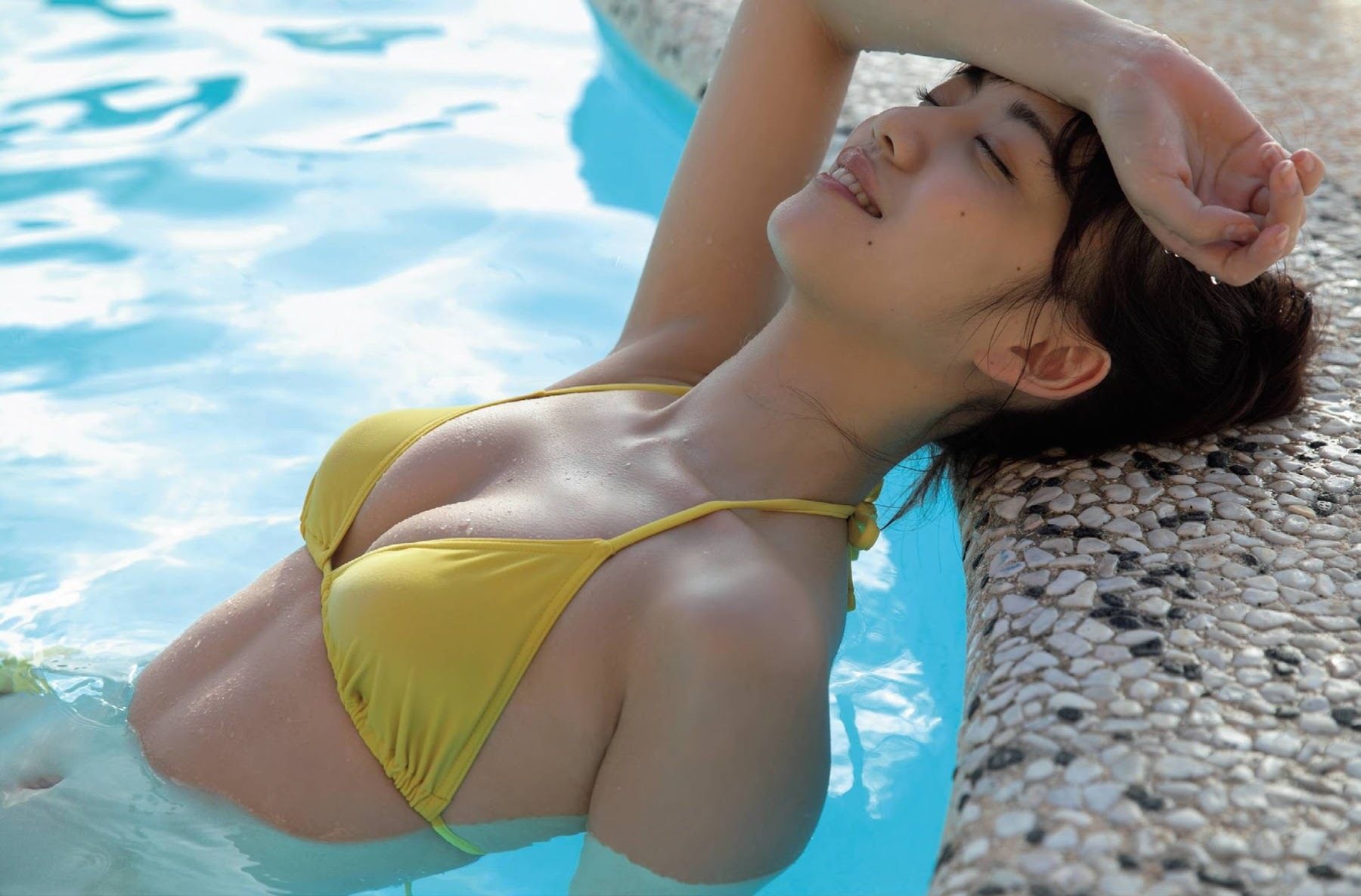 After becoming a leader of an idol grouphe made a big breakthrough as an actress: Yuna Sekine Swimsuit gravure 2020003