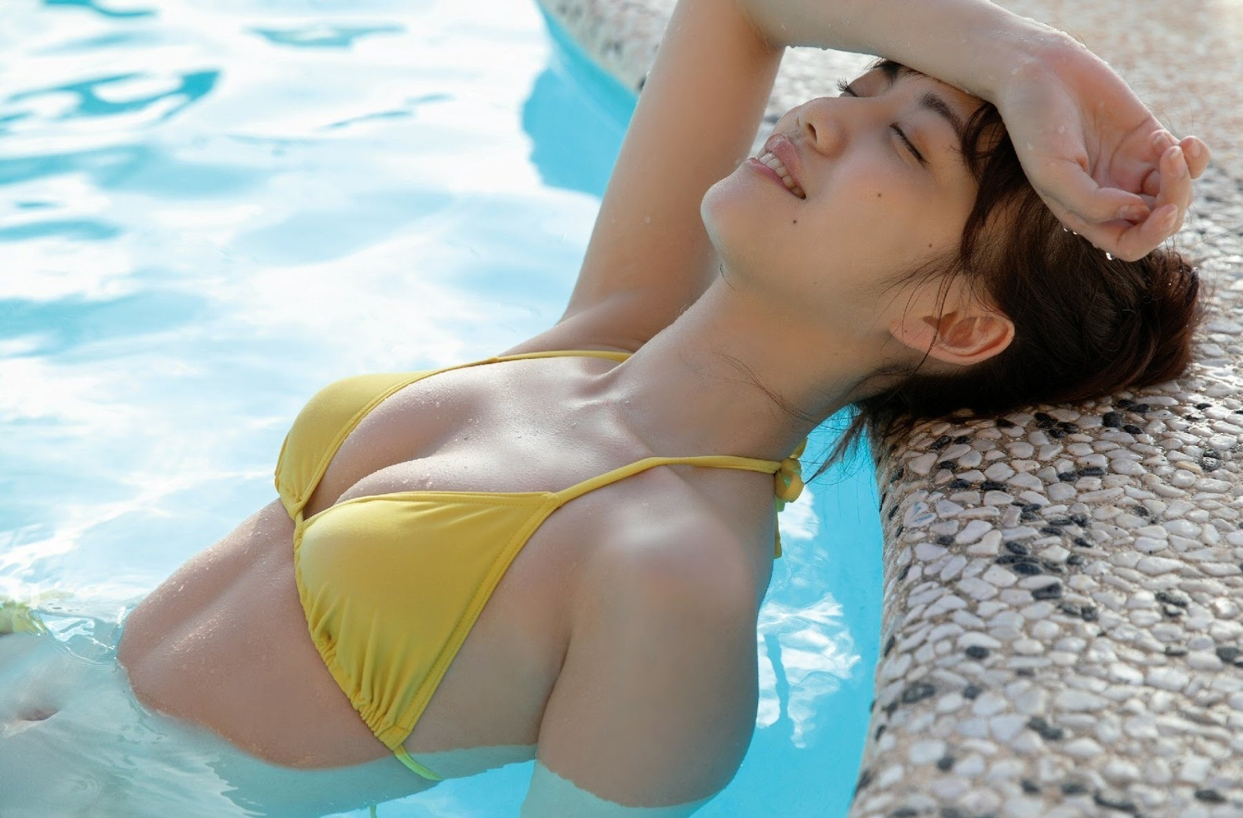 After becoming a leader of an idol grouphe made a big breakthrough as an actress: Yuna Sekine Swimsuit gravure 2020007