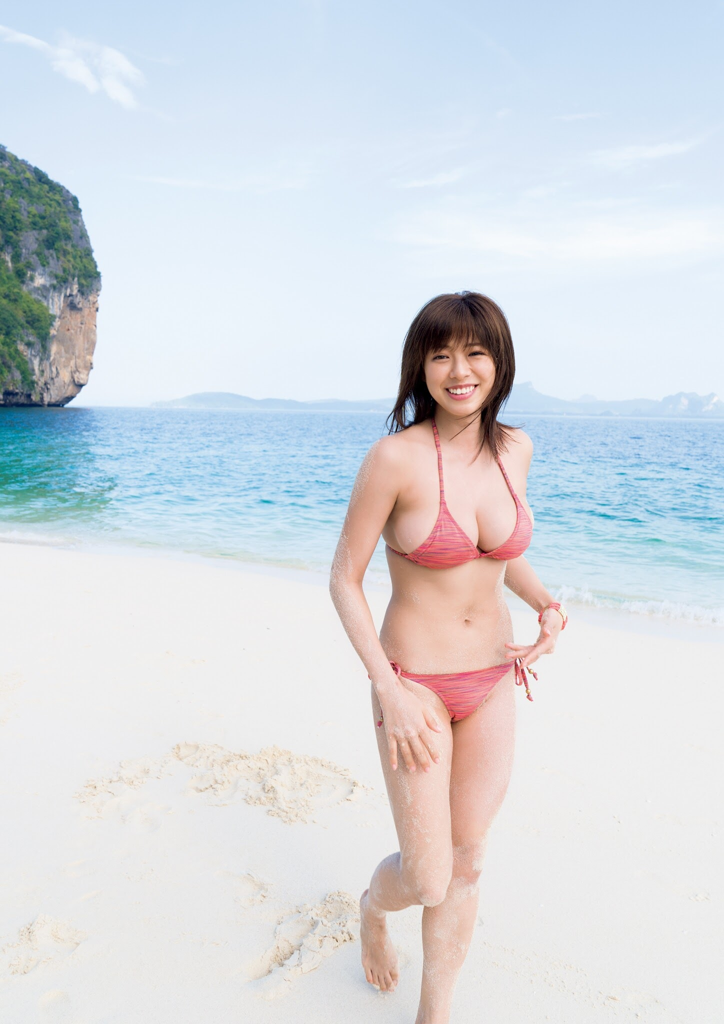 Super body of H cup Minami Wachi 2020 that exposes body and mind in tropical Thailand003