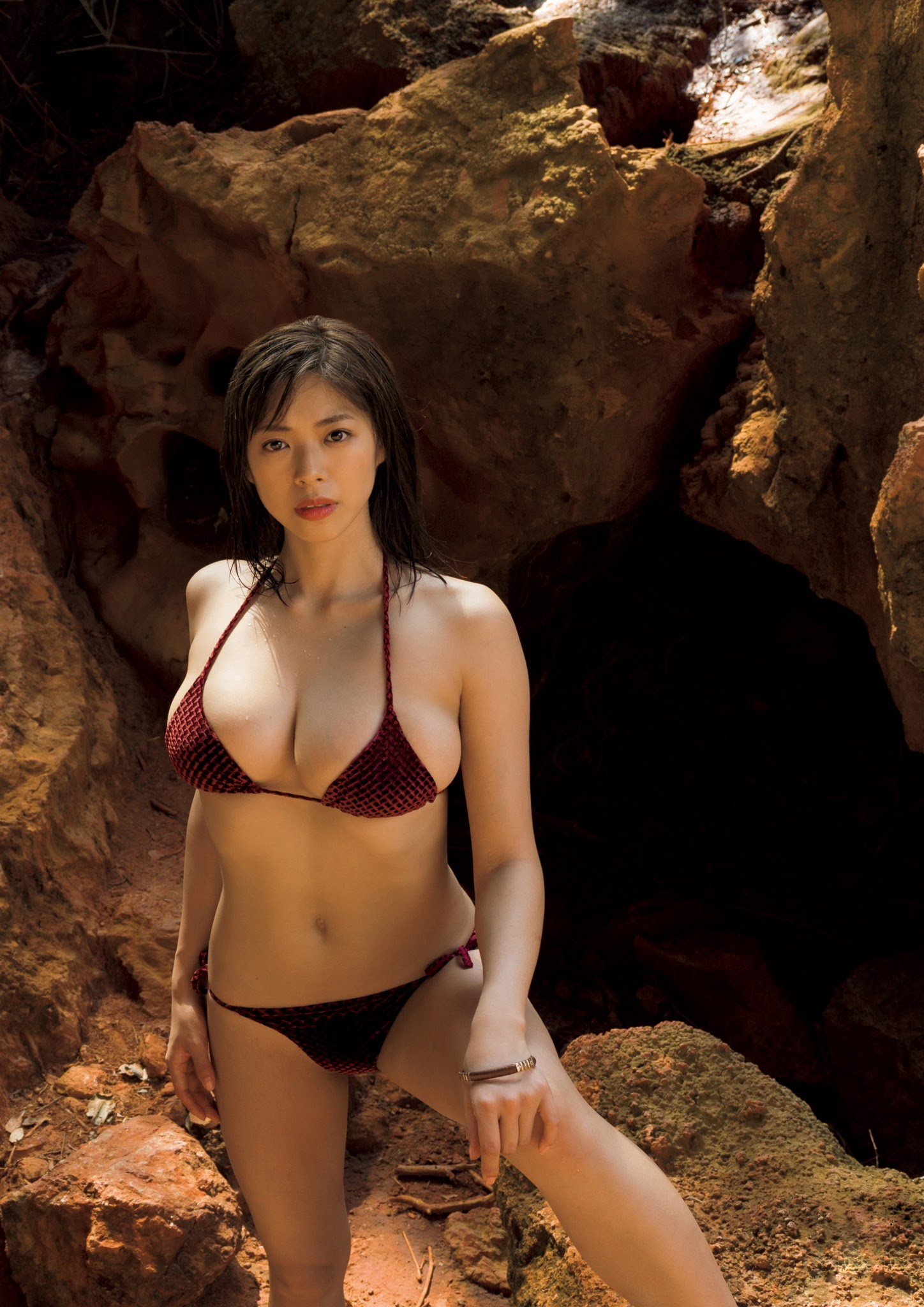 Super body of H cup Minami Wachi 2020 that exposes body and mind in tropical Thailand026