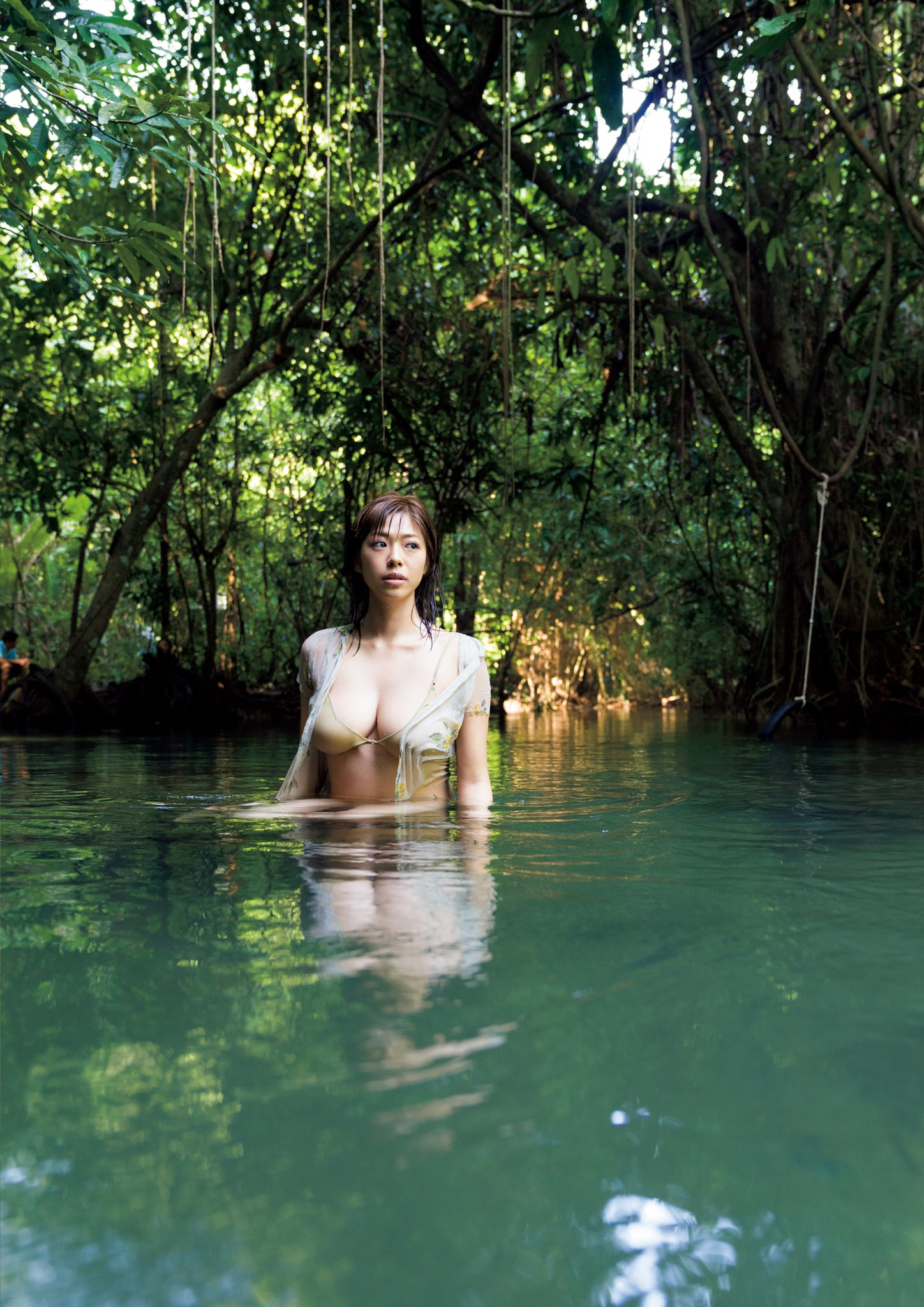 Super body of H cup Minami Wachi 2020 that exposes body and mind in tropical Thailand034