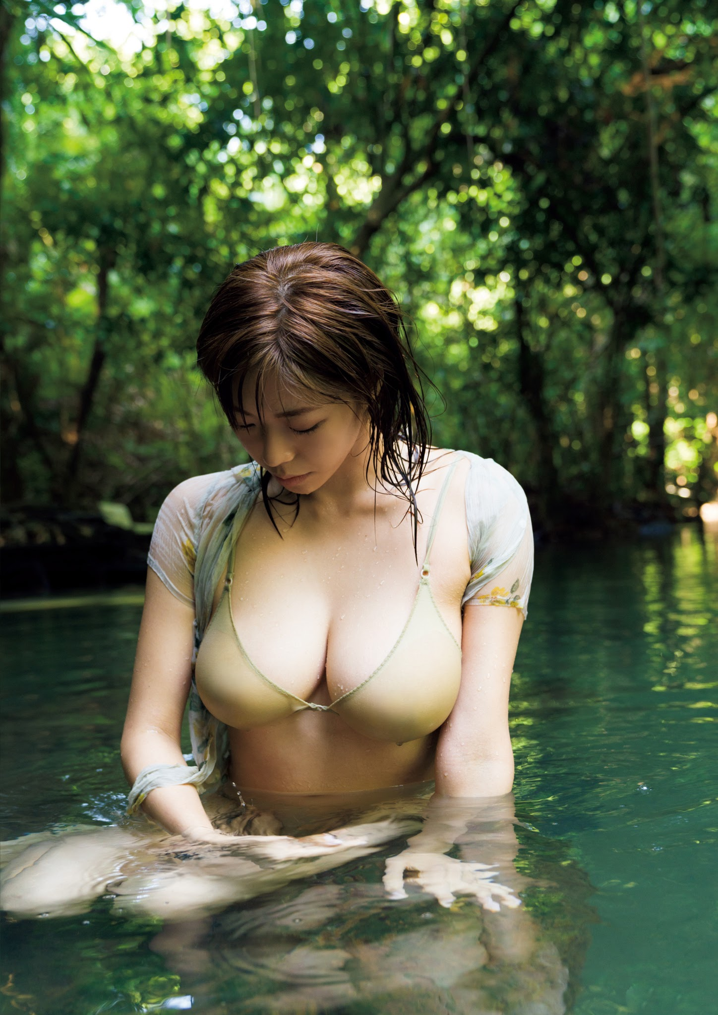 Super body of H cup Minami Wachi 2020 that exposes body and mind in tropical Thailand038