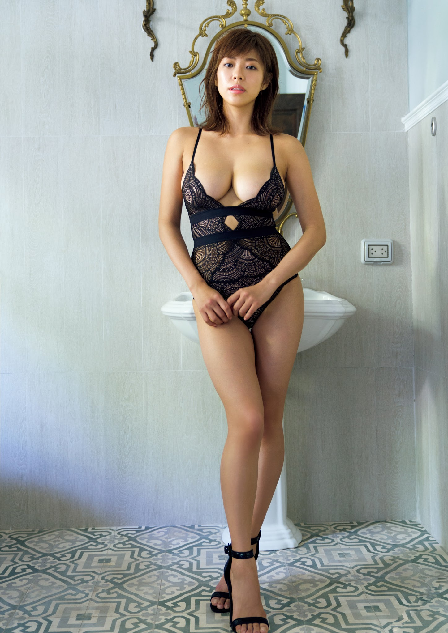 Super body of H cup Minami Wachi 2020 that exposes body and mind in tropical Thailand062