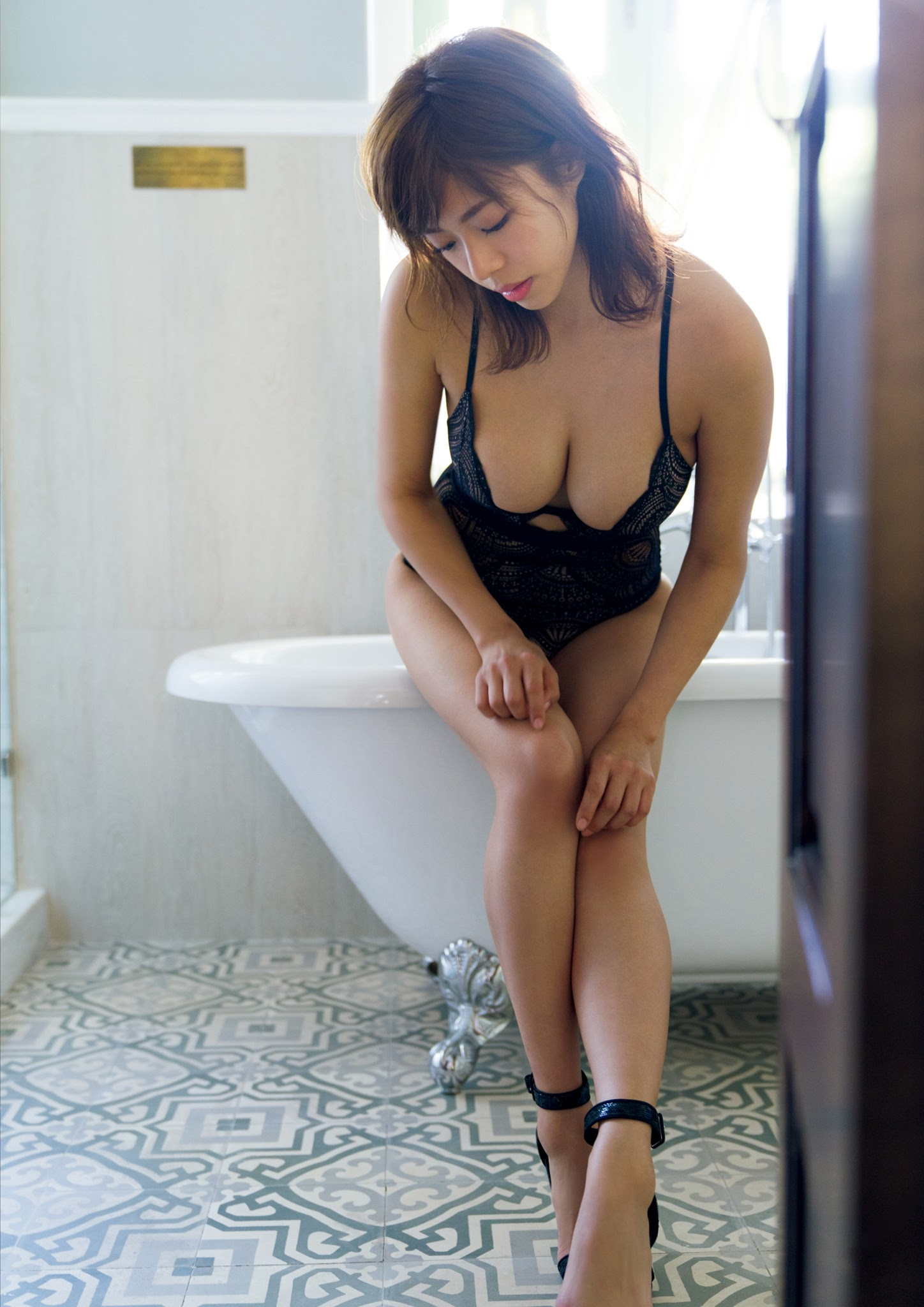 Super body of H cup Minami Wachi 2020 that exposes body and mind in tropical Thailand066