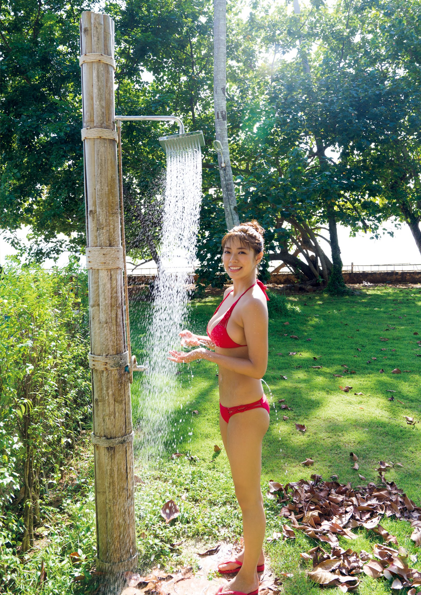 Super body of H cup Minami Wachi 2020 that exposes body and mind in tropical Thailand080