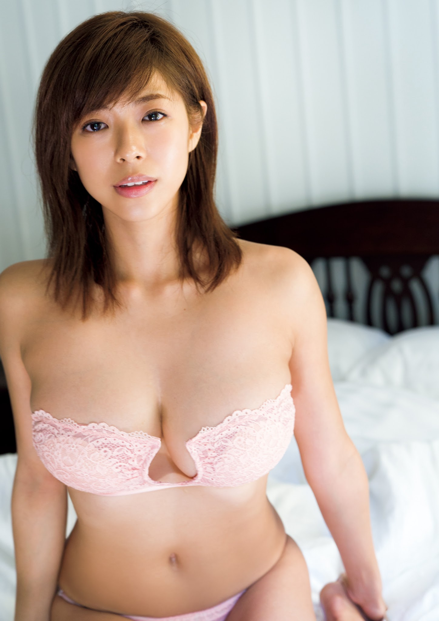 Super body of H cup Minami Wachi 2020 that exposes body and mind in tropical Thailand101