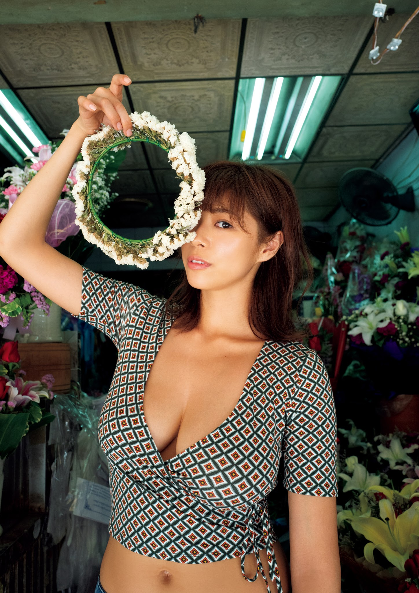 Super body of H cup Minami Wachi 2020 that exposes body and mind in tropical Thailand109