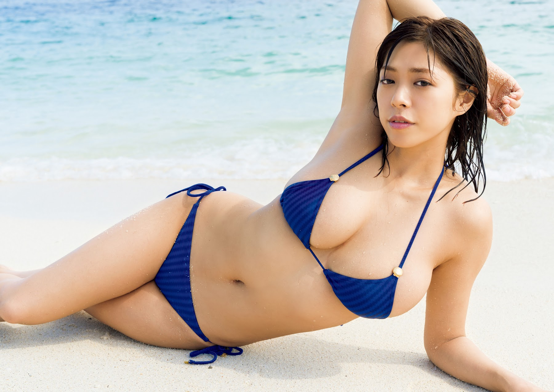Super body of H cup Minami Wachi 2020 that exposes body and mind in tropical Thailand113