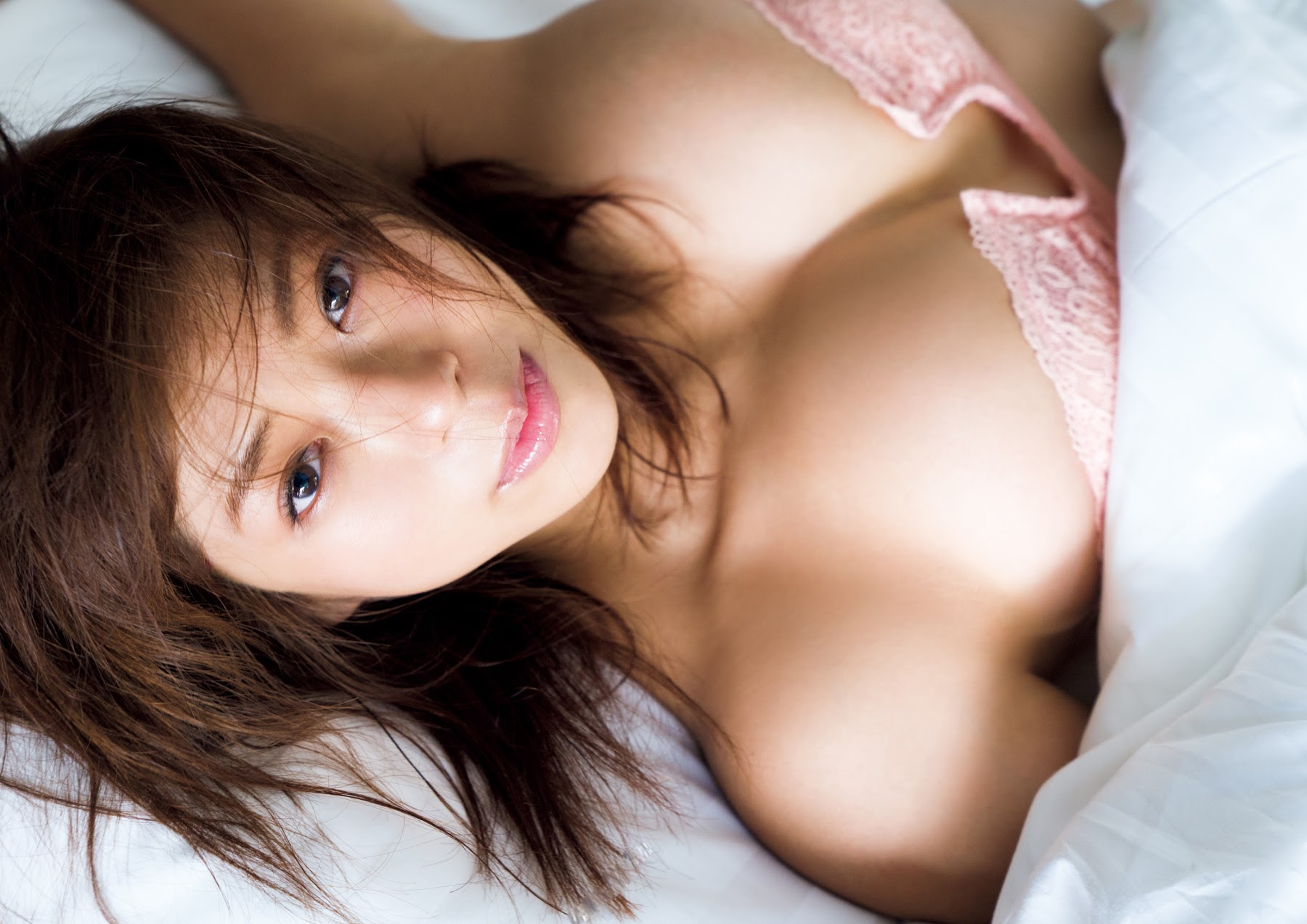 Super body of H cup Minami Wachi 2020 that exposes body and mind in tropical Thailand121