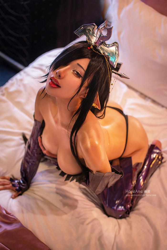 The Dark Elf Queen003
