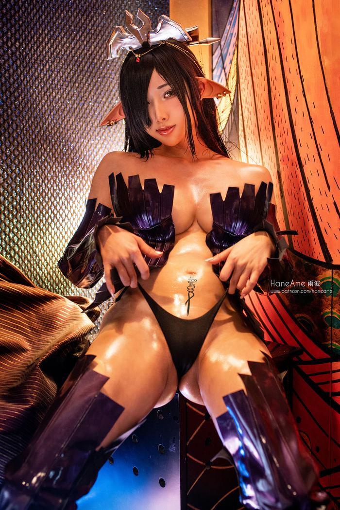 The Dark Elf Queen014