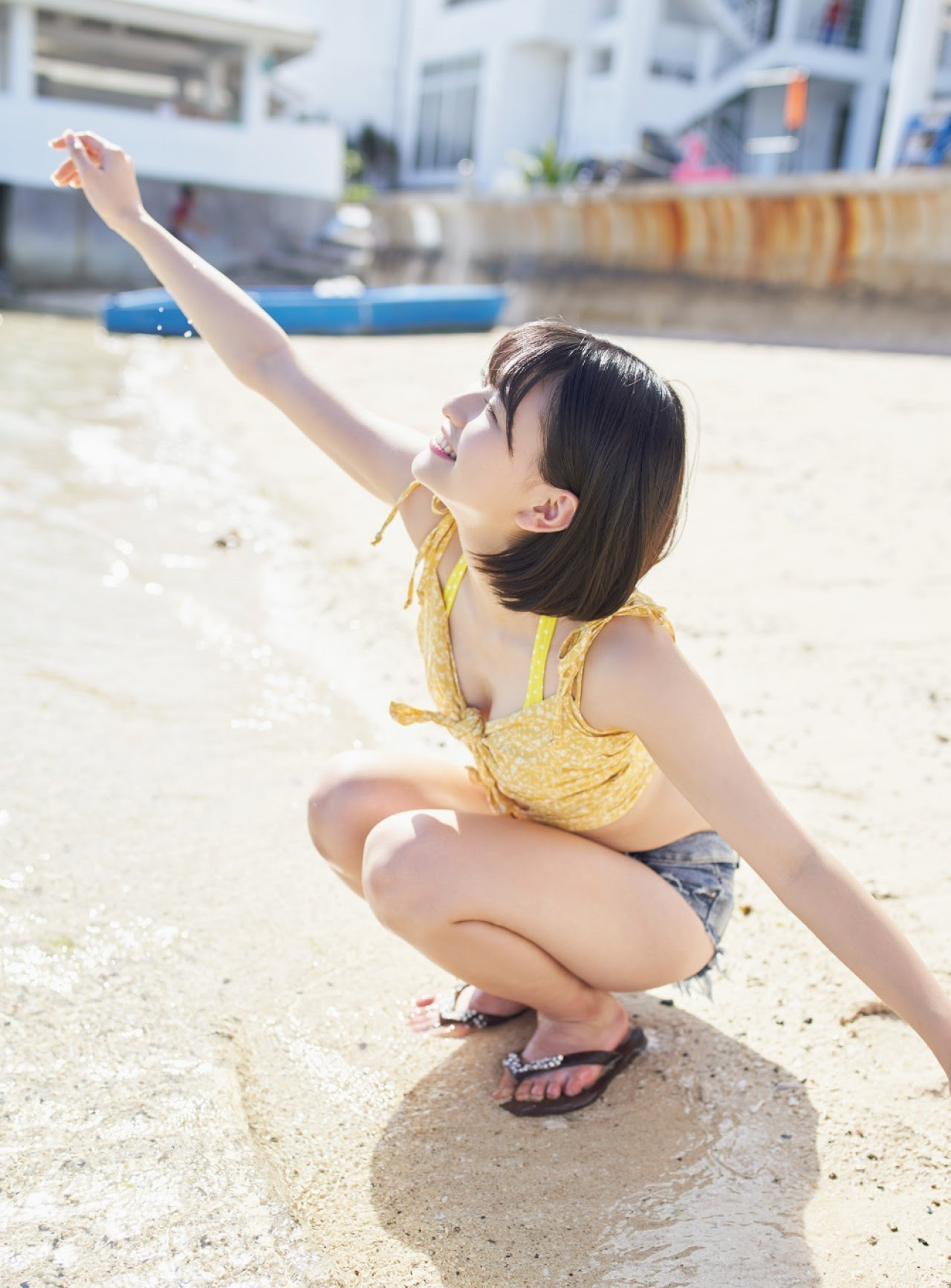 Minami Yamada, a beautiful and innocent girl became the last idol in swimsuit She shows us her beautiful pure white body Junkiso Bikini 2020002
