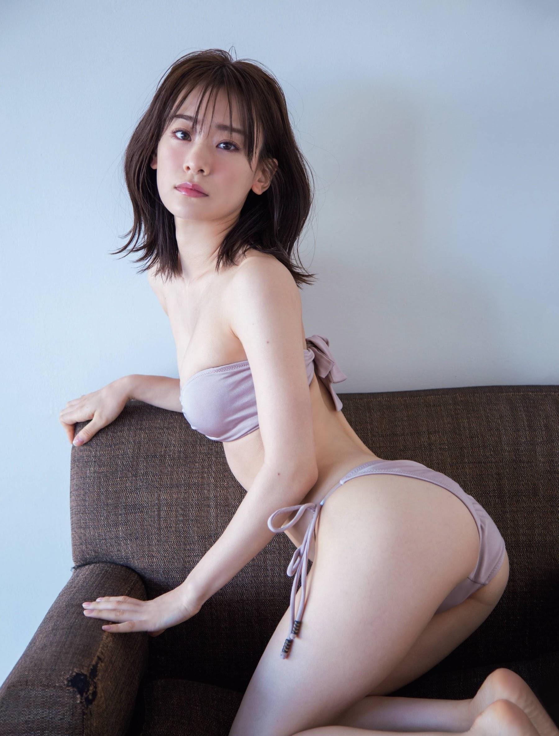 Newcomer in the gravure world who graduated from Tokyo University of Science Minami Fukuoka Swimsuit gravure bikini beauty BODY Rikejo 2020003