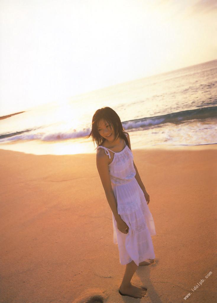 Nana Eikura who charms perfect body on the stage of Hawaii045