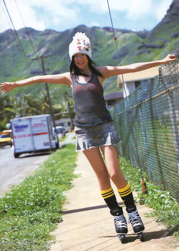 Nana Eikura who charms perfect body on the stage of Hawaii047