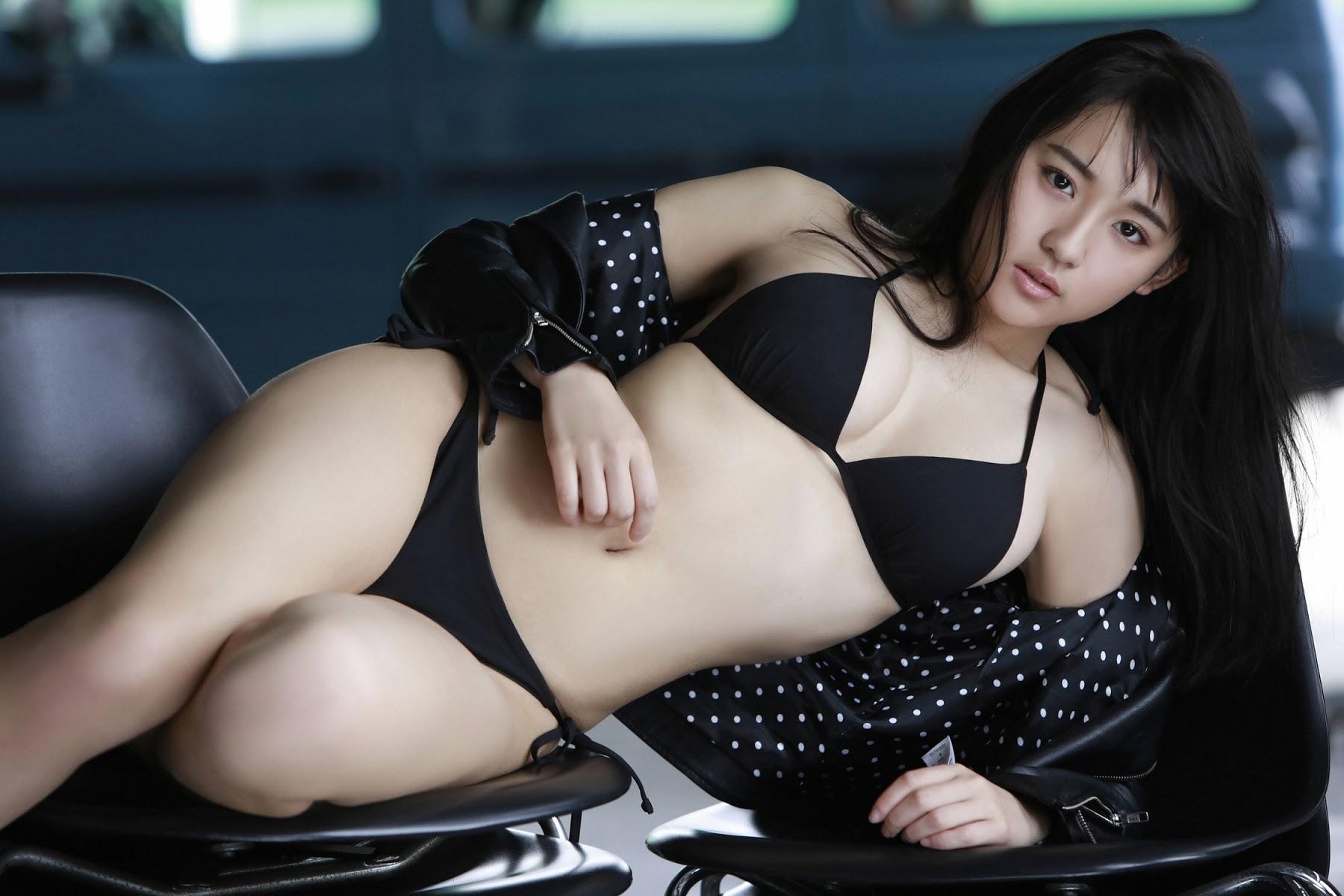 NANA ASAKAWA HOT SHOT043