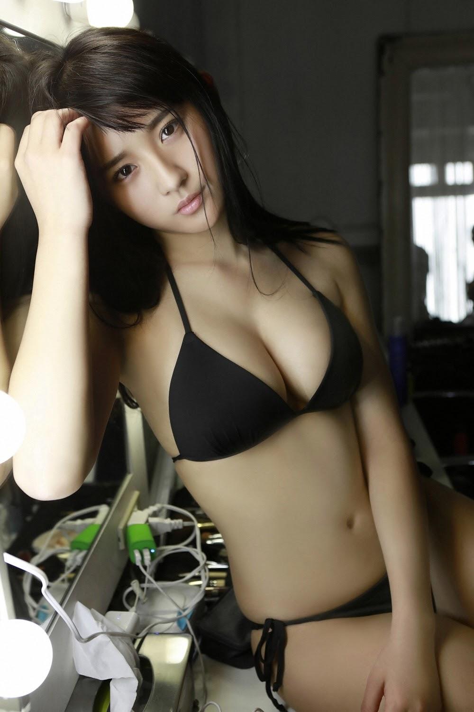 NANA ASAKAWA HOT SHOT063