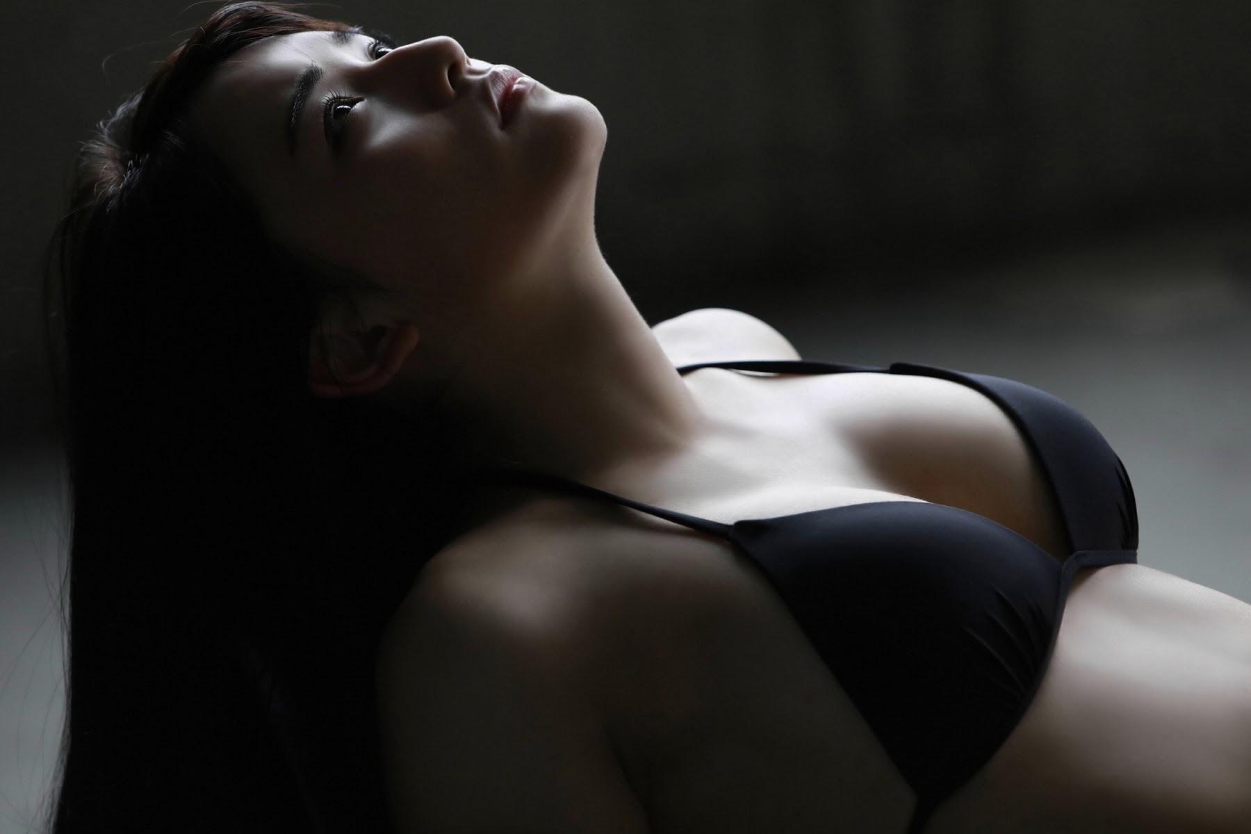 NANA ASAKAWA HOT SHOT082