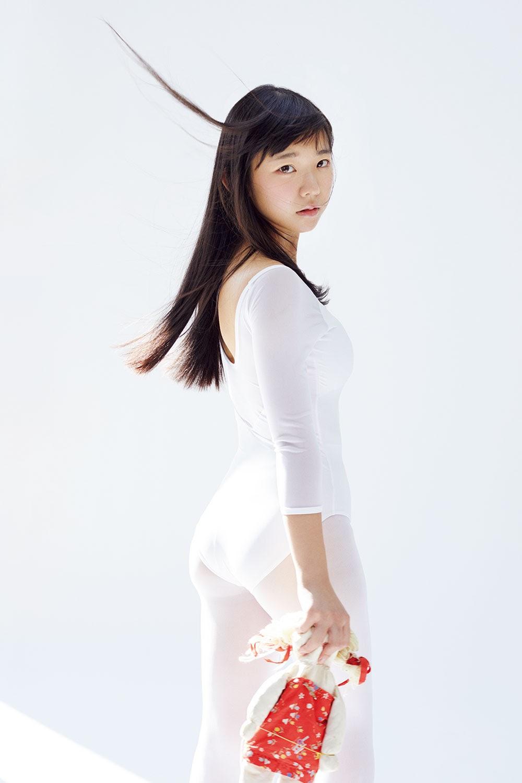 Its a strong type Marina Nagasawa Bandeau Bikini 2019010
