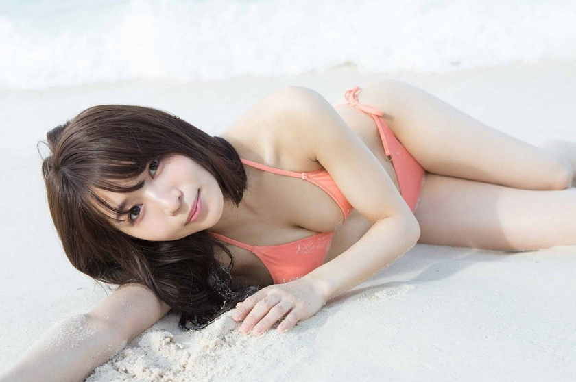 Everyone longed for that beautiful girl boldly showed off her swimsuit Erika Denya005