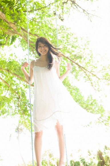 Everyone longed for that beautiful girl boldly showed off her swimsuit Erika Denya026